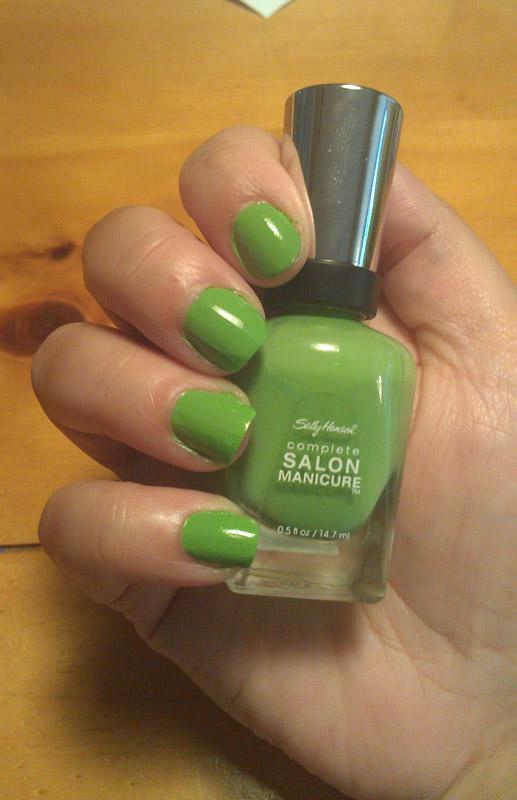 Beauty Tips for Women – Sally Hansen Parrot | bluebrainreviews.com